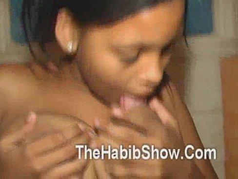 Porno com virgem morena de quatro